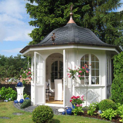 Teehaus Gloriette mit Schieferdach